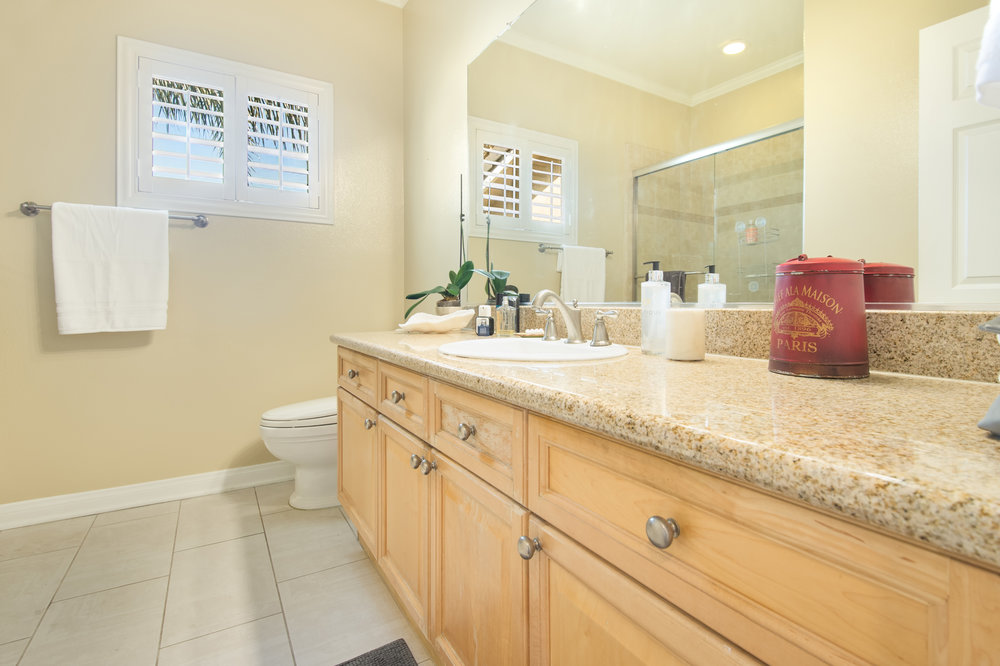 013 Bathroom 5653 Alix Court Redondo Beach For Sale Lease The Malibu Life Team Luxury Real Estate.jpg