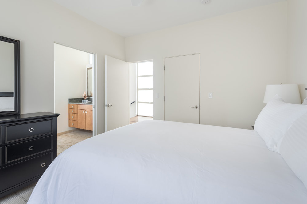 012 Bedroom Ocean Front Walk Venice For Sale Lease The Malibu Life Team Luxury Real Estate.jpg