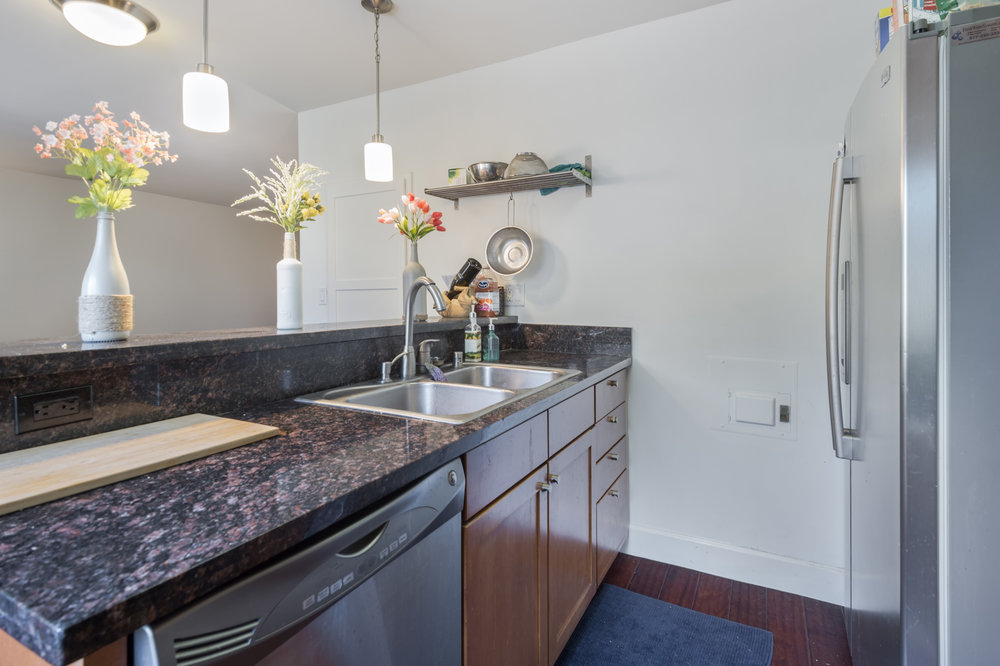 004 Kitchen 10982 Roebling Avenue #342 For Sale Lease The Malibu Life Team Luxury Real Estate.jpg