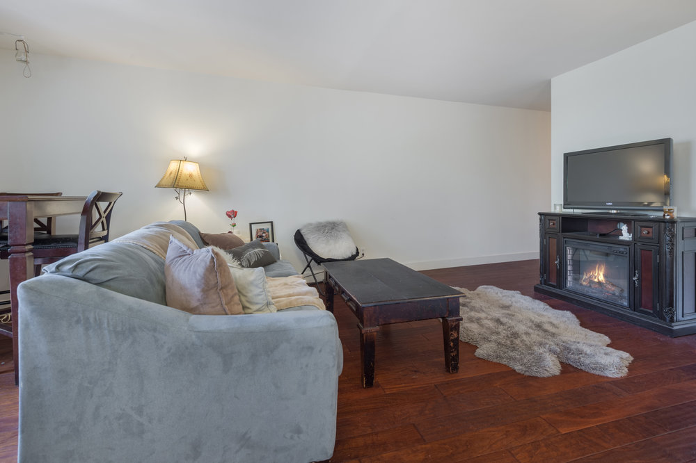 005 Living Room 10982 Roebling Avenue #342 For Sale Lease The Malibu Life Team Luxury Real Estate.jpg