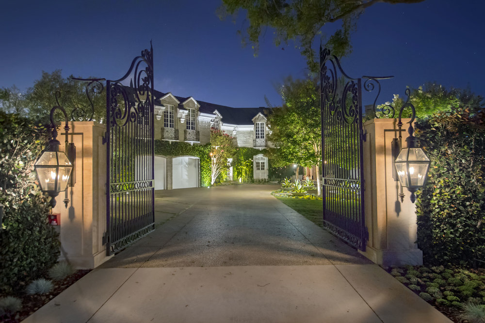 $16,880,000 | 200 Toyopa Drive, Pacific Palisades