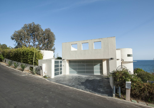 $3,200,000   21628 Rambla Vista, Malibu