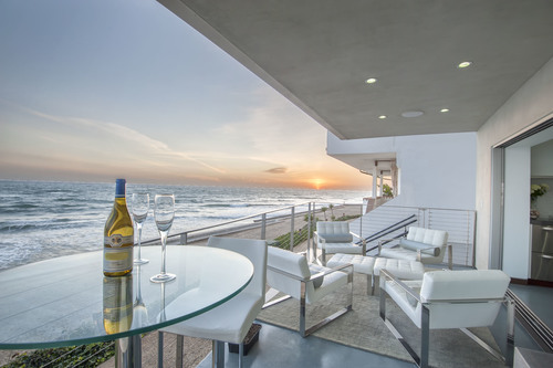 $2,995,000 | 11892 Beach Club Way, Malibu