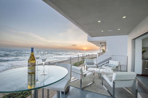 $2,995,000 | 11892 Beach Club Way, Malibu