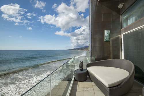 $2,500,000 | 21206 Pacific Coast Highway, Malibu