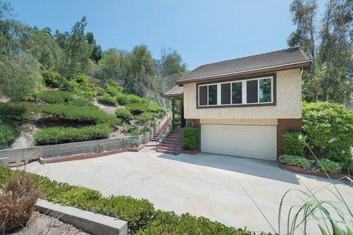 $700,000 | 8832 Moorcroft Ave, West Hills