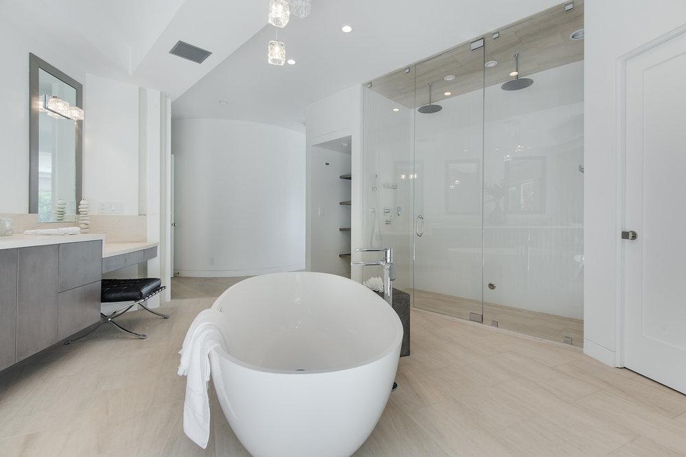 010 master bathroom 6375 Gayton Place For Sale Lease The Malibu Life Team Luxury Real Estate.jpg