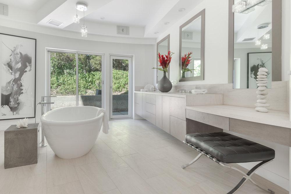 009 Master Bathroom 6375 Gayton Place For Sale Lease The Malibu Life Team Luxury Real Estate.jpg
