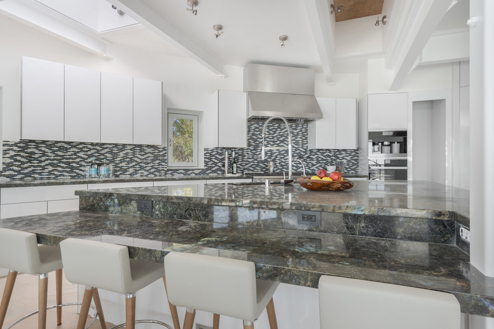 020 Kitchen 6375 Gayton Place For Sale Lease The Malibu Life Team Luxury Real Estate.jpg