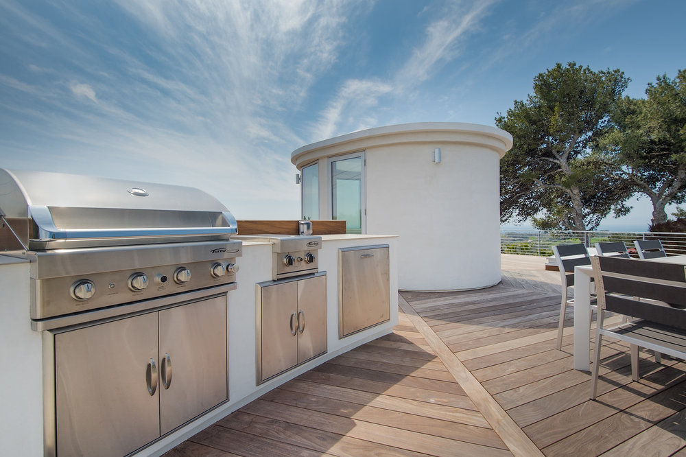 024 BBQ Rooftop Deck 6375 Gayton Place For Sale Lease The Malibu Life Team Luxury Real Estate.jpg