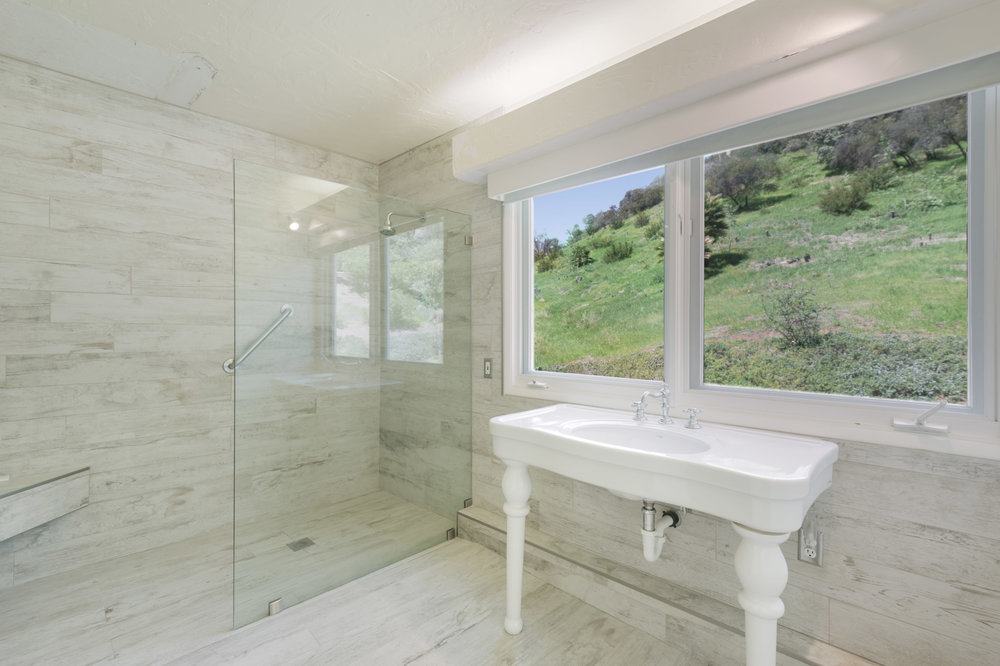 012 Bathroom 2550 La Condesa Drive Brentwood Los Angeles For Sale Lease The Malibu Life Team Luxury Real Estate.jpg