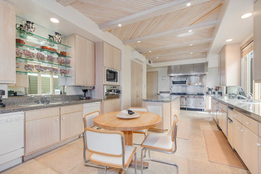 007 Kitchen2 30966 Broad Beach For Sale Lease The Malibu Life Team Luxury Real Estate.jpg