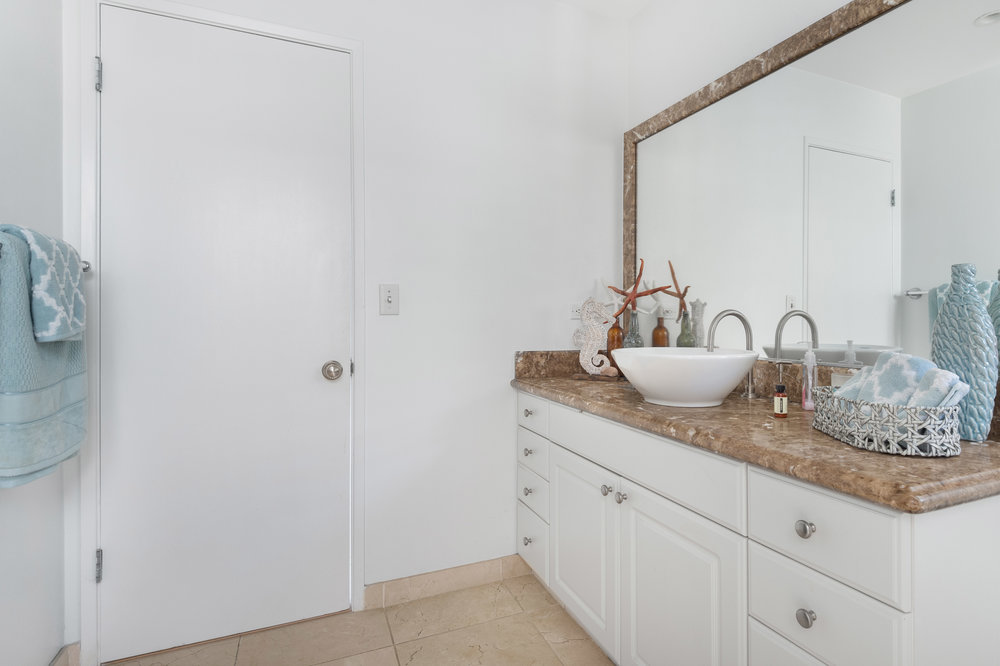 011 Bathroom 20475 Roca Chica Drive For Sale Lease The Malibu Life Team Luxury Real Estate.jpg