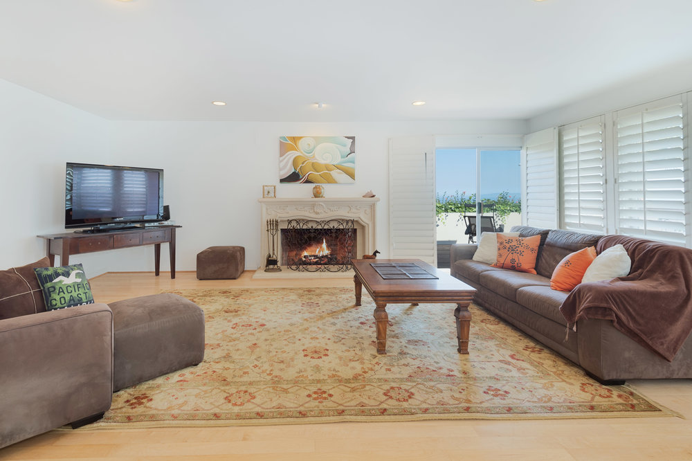 018 Living Room 20475 Roca Chica Drive For Sale Lease The Malibu Life Team Luxury Real Estate.jpg