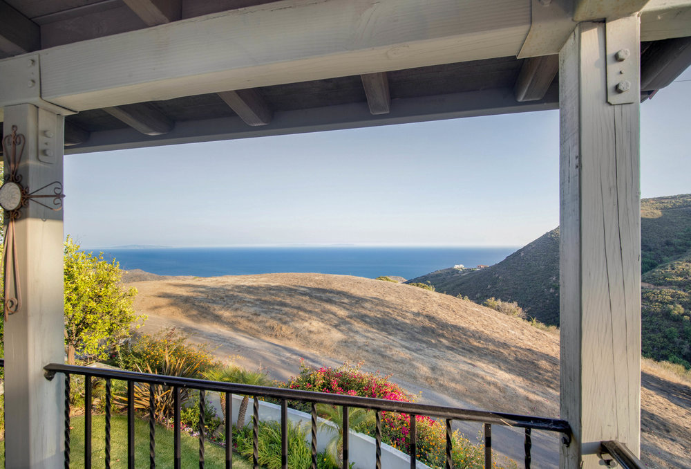 004 Deck 1912 Lookout Road Malibu Los Angeles For Sale Lease The Malibu Life Team Luxury Real Estate.jpg