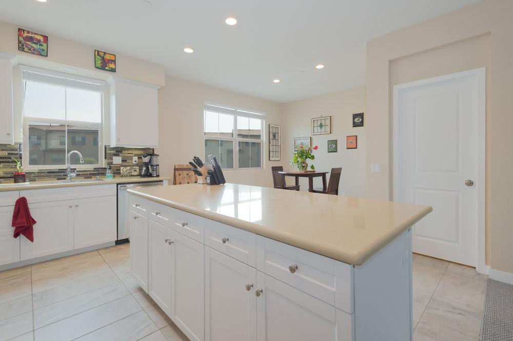 010 Kitchen 207 Westpark Court Unit 702 Camarillo Bally Khehra For Sale Lease The Malibu Life Team Luxury Real Estate.jpg