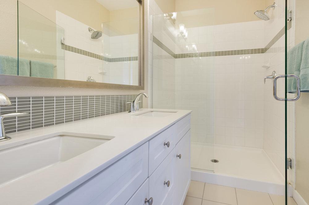 014 Master Bathroom 207 Westpark Court Unit 702 Camarillo Bally Khehra For Sale Lease The Malibu Life Team Luxury Real Estate.jpg