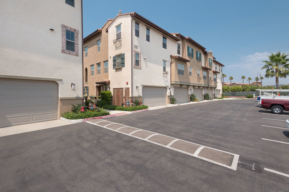021 Garage 207 Westpark Court Unit 702 Camarillo Bally Khehra For Sale Lease The Malibu Life Team Luxury Real Estate.jpg