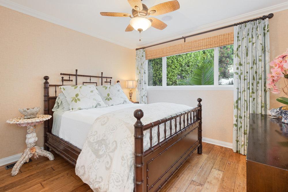018 31658 Broad Beach For Sale Lease The Malibu Life Team Luxury Real Estate.jpg