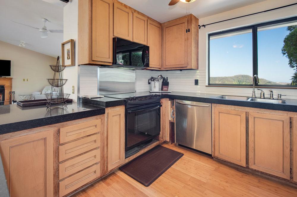 005 Kitchen 1996 Newell Road Malibu For Sale Lease The Malibu Life Team Luxury Real Estate.jpg