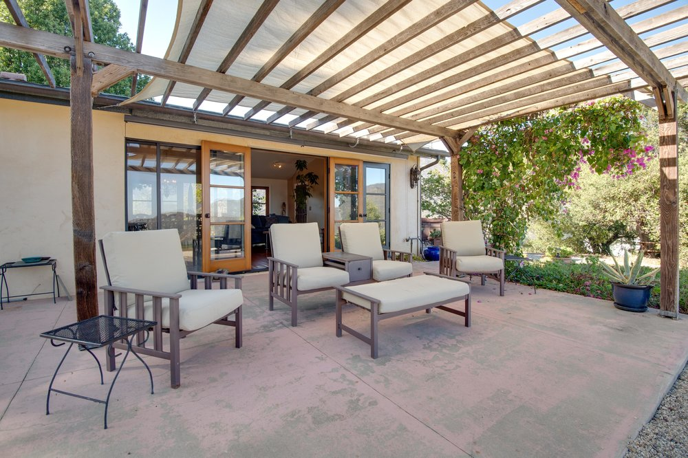 009 Patio 1996 Newell Road Malibu For Sale Lease The Malibu Life Team Luxury Real Estate.jpg