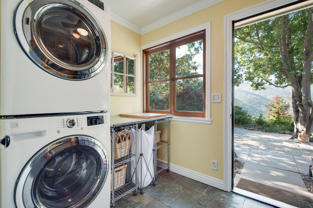 012 Laundry 1996 Newell Road Malibu For Sale Lease The Malibu Life Team Luxury Real Estate.jpg