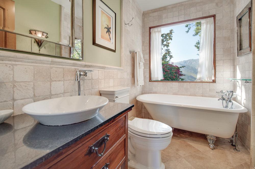018 Bathroom 1996 Newell Road Malibu For Sale Lease The Malibu Life Team Luxury Real Estate.jpg