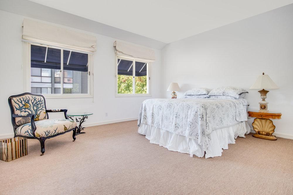 018 Bedroom Malibu For Sale Lease The Malibu Life Team Luxury Real Estate.jpg