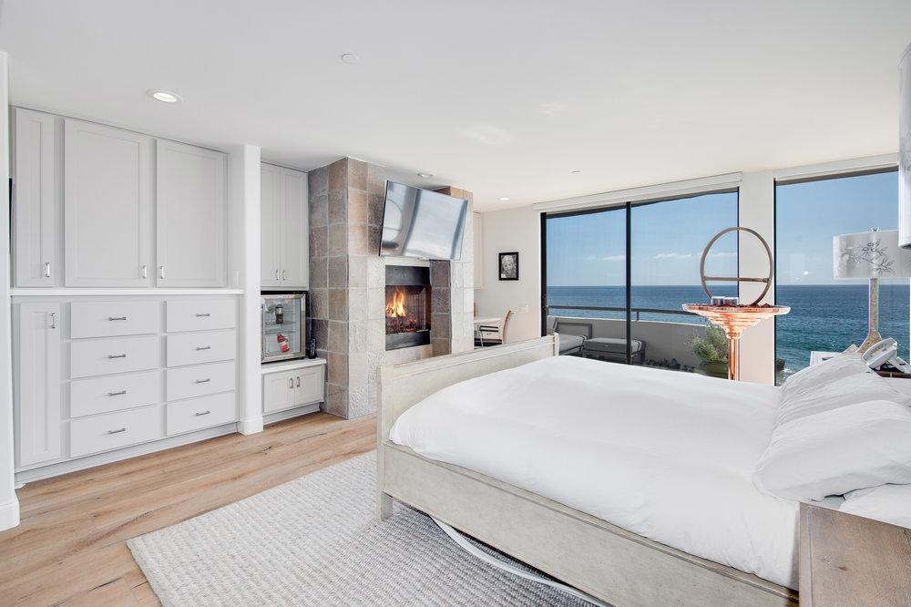 004 Master Bedroom 25252 Malibu Road For Sale Lease The Malibu Life Team Luxury Real Estate.jpg