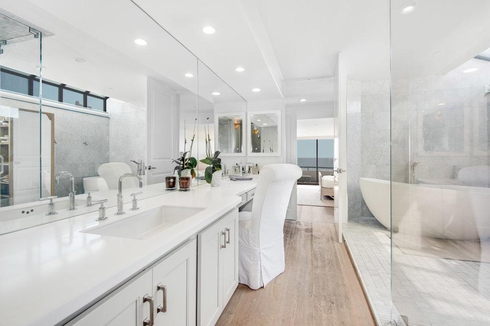 005 Master Bathroom 25252 Malibu Road For Sale Lease The Malibu Life Team Luxury Real Estate.jpg