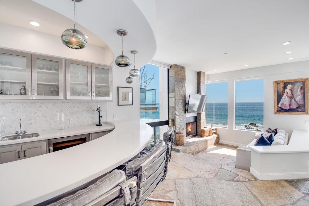 010 Living Room 25252 Malibu Road For Sale Lease The Malibu Life Team Luxury Real Estate.jpg