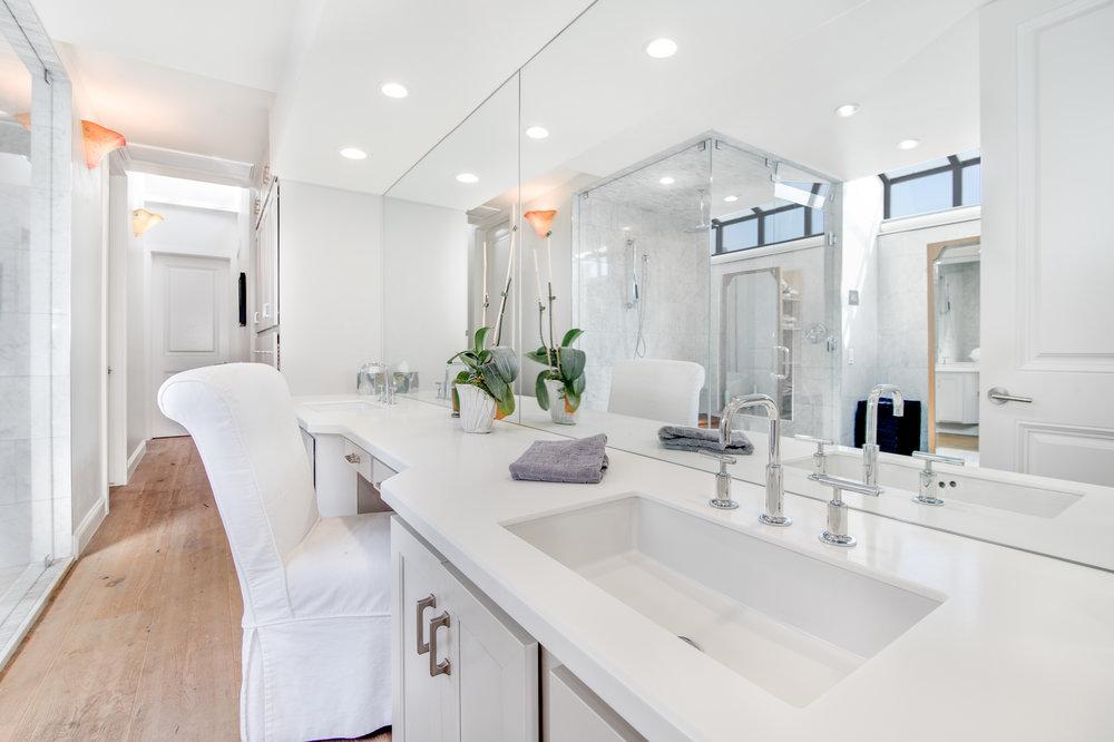017 Master Bathroom 25252 Malibu Road For Sale Lease The Malibu Life Team Luxury Real Estate.jpg