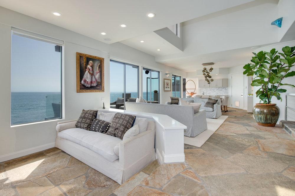 011 Living Room 25252 Malibu Road For Sale Lease The Malibu Life Team Luxury Real Estate.jpg