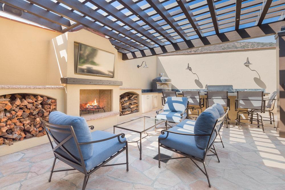 009 bbq Broad Beach For Sale Lease The Malibu Life Team Luxury Real Estate.jpg