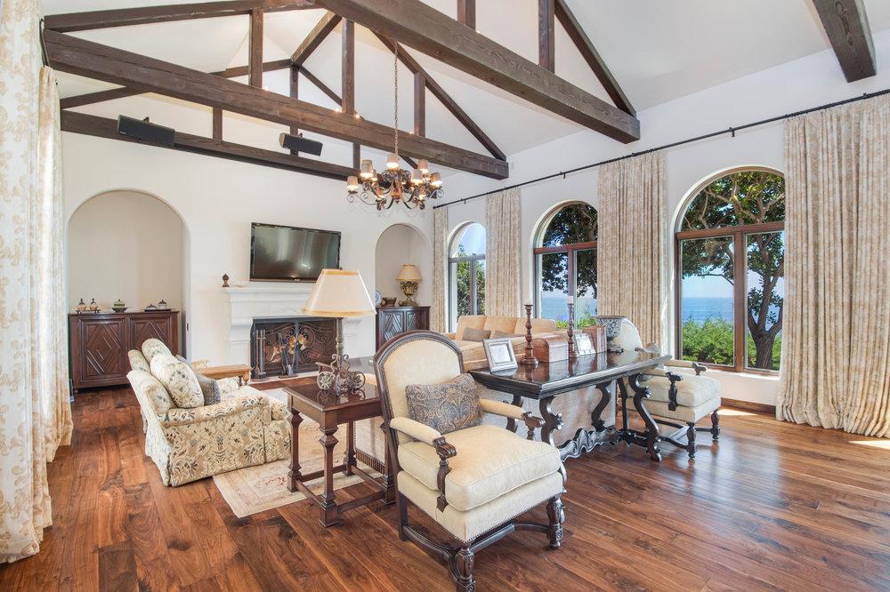 015 Living Room Broad Beach For Sale Lease The Malibu Life Team Luxury Real Estate.jpg