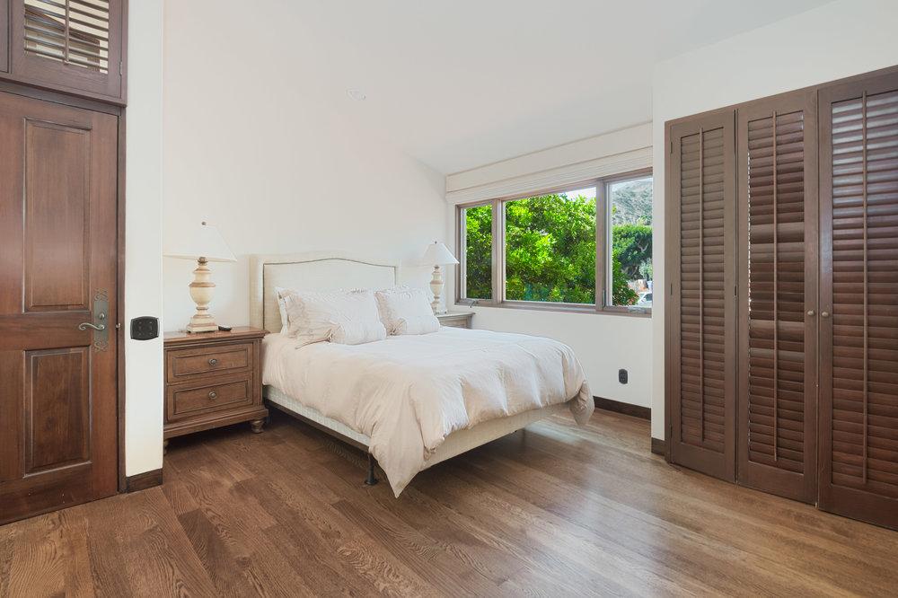 030 Bedroom Broad Beach For Sale Lease The Malibu Life Team Luxury Real Estate.jpg