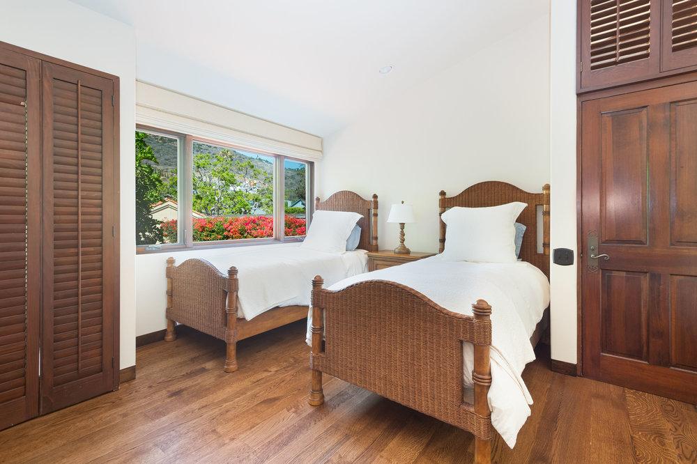 031 BEdroom Broad Beach For Sale Lease The Malibu Life Team Luxury Real Estate.jpg