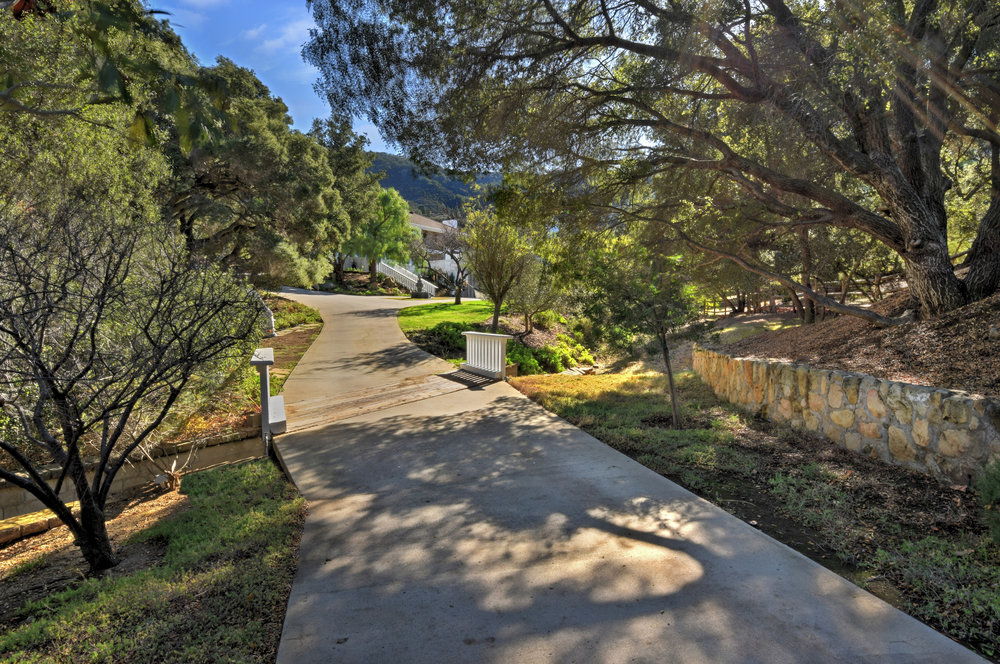008 Driveway 560 Cold Canyon Road For Sale Lease The Malibu Life Team Luxury Real Estate.jpg