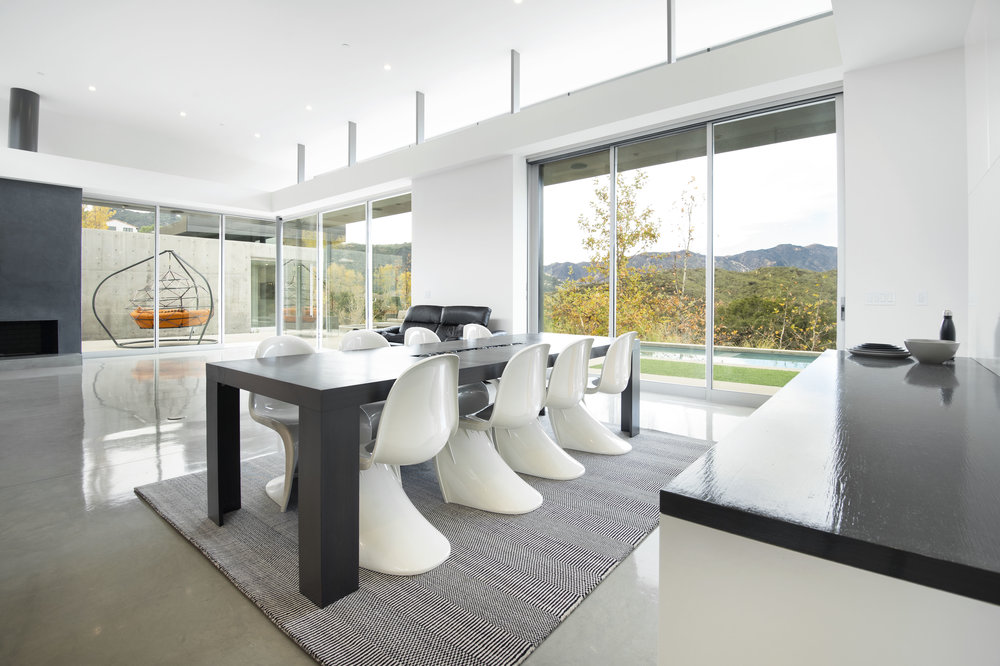 007 Living Room 1055 Cold Canyon Road Calabasas For Sale Lease The Malibu Life Team Luxury Real Estate.jpg