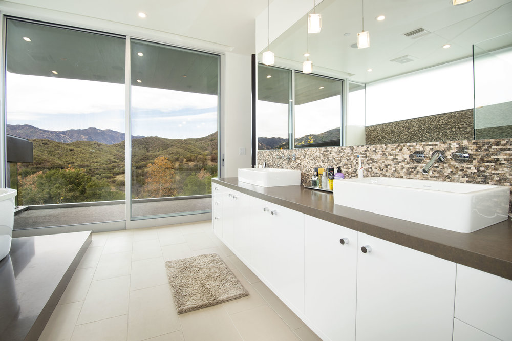017 Master Bathroom 1055 Cold Canyon Road Calabasas For Sale Lease The Malibu Life Team Luxury Real Estate.jpg