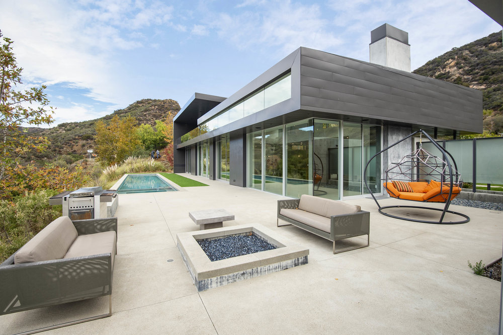 025 Pool 1055 Cold Canyon Road Calabasas For Sale Lease The Malibu Life Team Luxury Real Estate.jpg