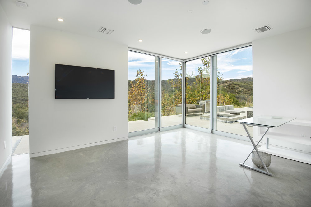 026 Guest House 1055 Cold Canyon Road Calabasas For Sale Lease The Malibu Life Team Luxury Real Estate.jpg