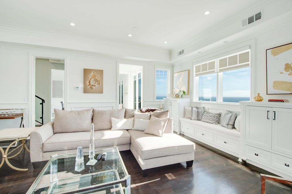005 Living Room 17819 Castellammare Drive Pacific Palisades For Sale Lease The Malibu Life Team Compass Luxury Real Estate.jpg