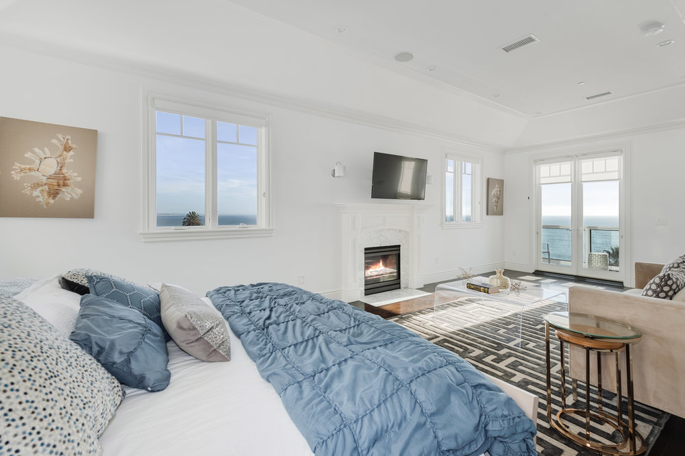 013 Bedroom 17819 Castellammare Drive Pacific Palisades For Sale Lease The Malibu Life Team Compass Luxury Real Estate.jpg