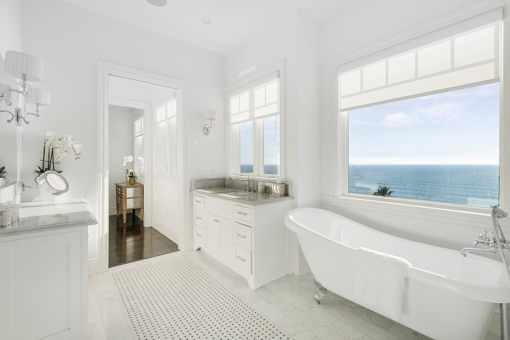 014 Bathroom Ocean View 17819 Castellammare Drive Pacific Palisades For Sale Lease The Malibu Life Team Compass Luxury Real Estate.jpg