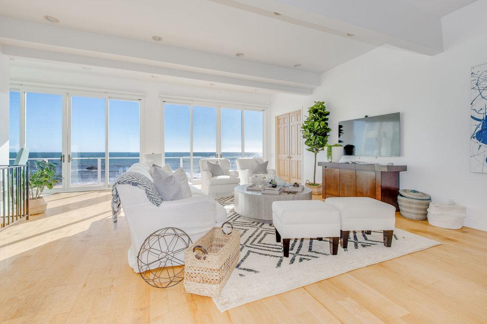 007 Living room 19158 PCH Malibu For Sale Lease The Malibu Life Team Luxury Real Estate.jpg