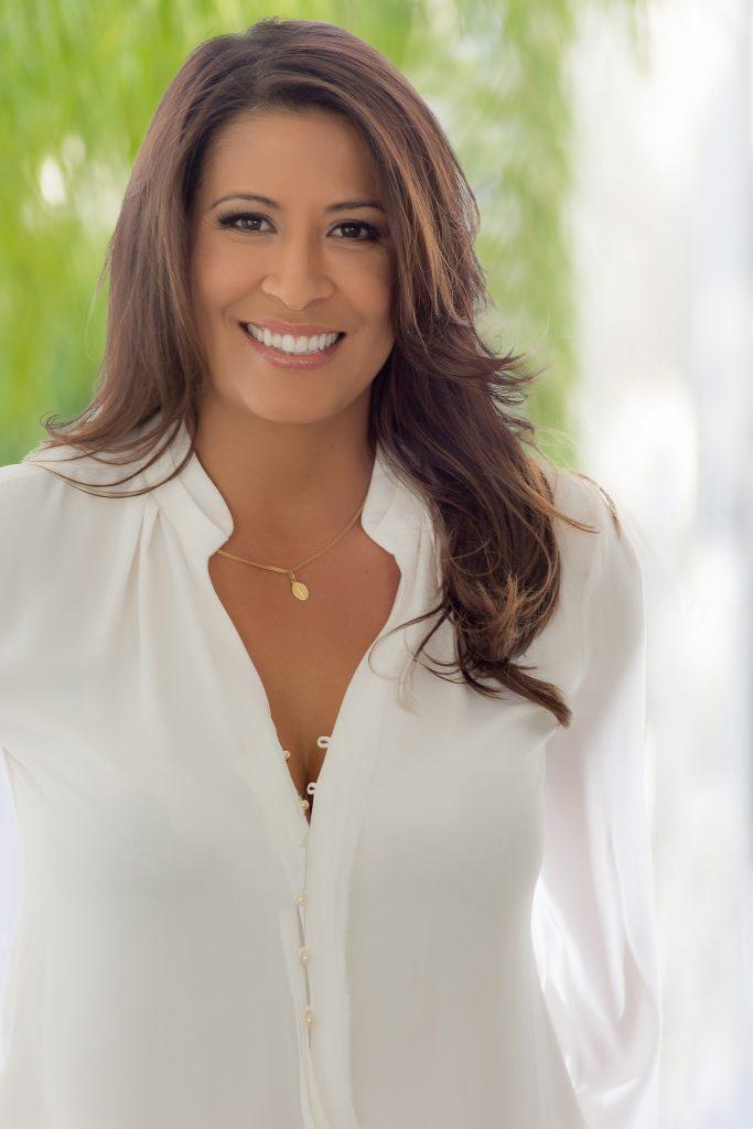 Gloria Carmona   Agent