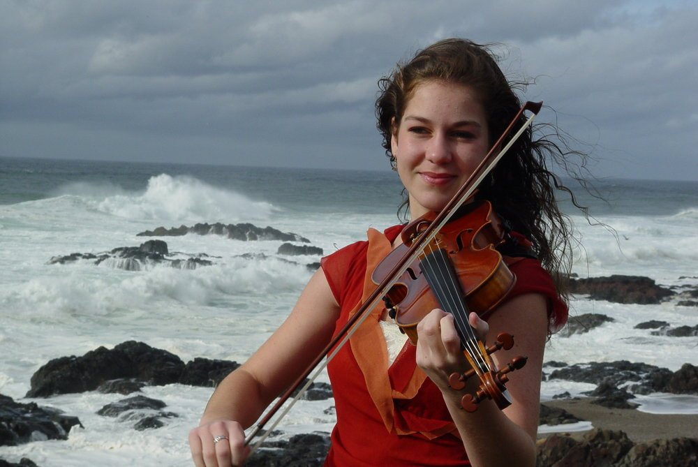 Rebecca Lomnicky - Scottish Fiddle Originally from Corvallis Oregon, Rebecca began playing classical violin and piano at age five, discovering Scottish fiddle music only a few years later.  Rebecca has been the recipient of many fiddle awards throughout her career, the most presitigous being in 2009, when she won the invitation only 20th Annual Glenfiddich International Scottish Fiddle Championship held at Blair Castle, Blair Atholl, Scotland. She has performed in Scotland, Ireland, Italy, China, and across the US, has been featured on the BBC radio show, Take the Floor, and in 2009, recorded her second CD, Inspired, with David Brewer. In 2014, Rebecca graduated summa cum laude from Cornell University with a double major in Music and Sociocultural Anthropology. She was also awarded the 2013-2014 Ellen Gussman Adelson Prize for outstanding instrumental music performance. In addition to performing, Rebecca is currently pursuing a graduate degree in Ethnomusicology from the University of California, Berkeley. To see her site, CLICK HERE
