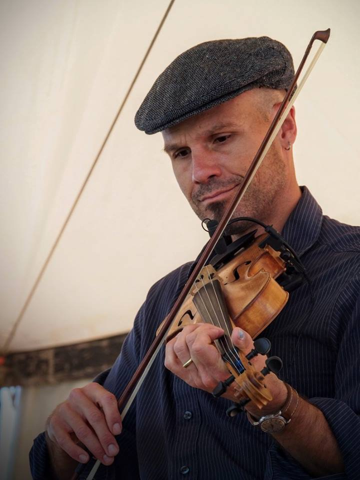 John Weed - irish fiddle and Cello John Weed is a classically-trained violinist who switched to playing Irish fiddle about 20 years ago. John lived in Ireland in 2000 and taught fiddle workshops at the Flowing Tide International Music School in Doonbeg, County Clare. He attended the Frankie Kennedy Winter School in Dunlewey, County Donegal where he has studied with Ciaran O'Maonaigh and Dermot Mcloughlin.