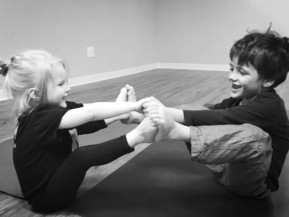 SUPER YOGI. - Ages 2 1/2-5 years (Must be able to be separate from parent/adult.)Through the AM kids! practice your yogi will learn:· Self regulation skills· Body awareness and motor coordination· Listening and attention skills· Social-emotional skillsSuper Yogis will grow their SUPER powers using the basic postures of the AM sequence, Super Power breathing techniques, and sharpen their super senses using stories, games, partner poses, and arts + crafts.